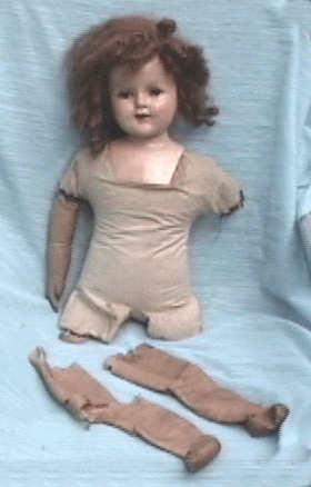 Как сшить костюм для куклы своими руками