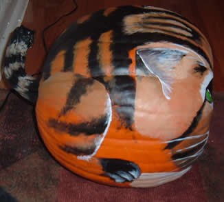 JN's Cat Pumpkin - side view