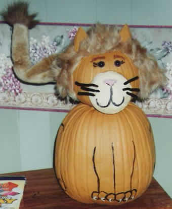 2 pumpkined lion